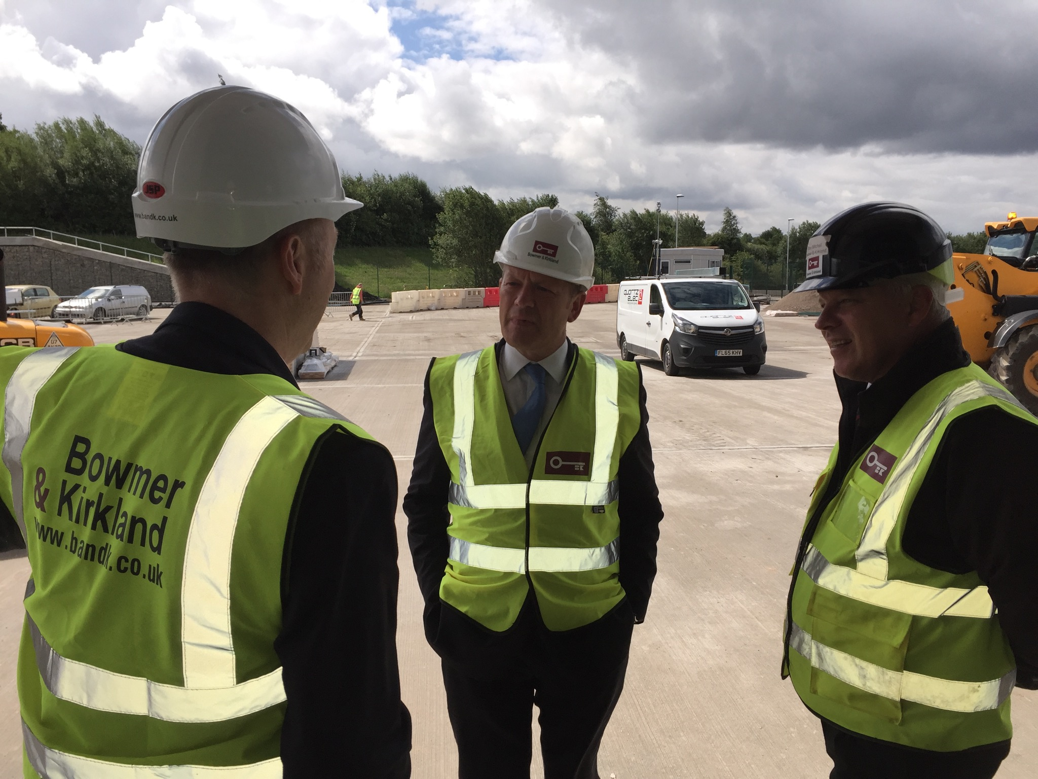 Image: KINGSWAY BUSINESS PARK - SIMON DANCZUK MP VISITS FOR PROGRESS UPDATE